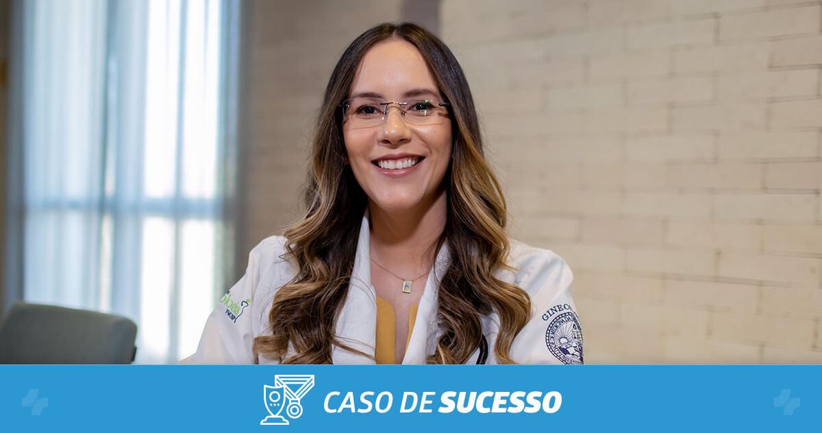 Como a Dra. Juliana Ribeiro consegue educar seus pacientes com a ajuda do iClinic?