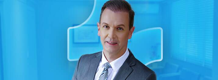 Dr. Orlando Righesso com o software médico iClinic