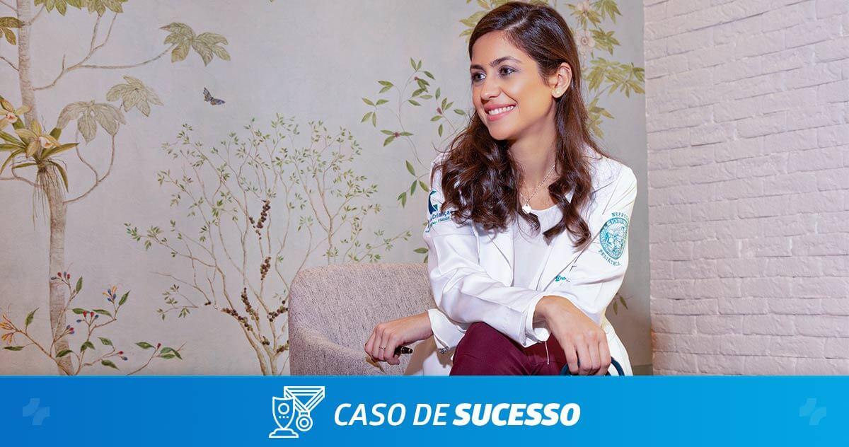 Como a Dra. Caroline Ortega melhora a jornada do paciente com o iClinic?