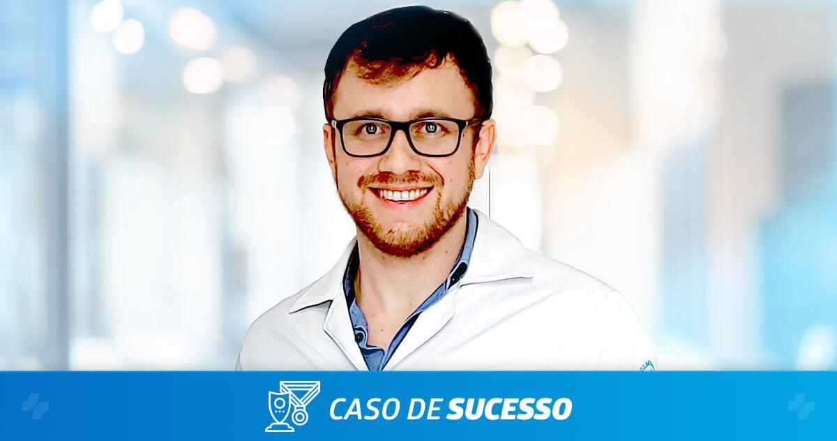 Como o Dr. Germano Dalfito personalizou sua consulta oftalmológica com o iClinic?