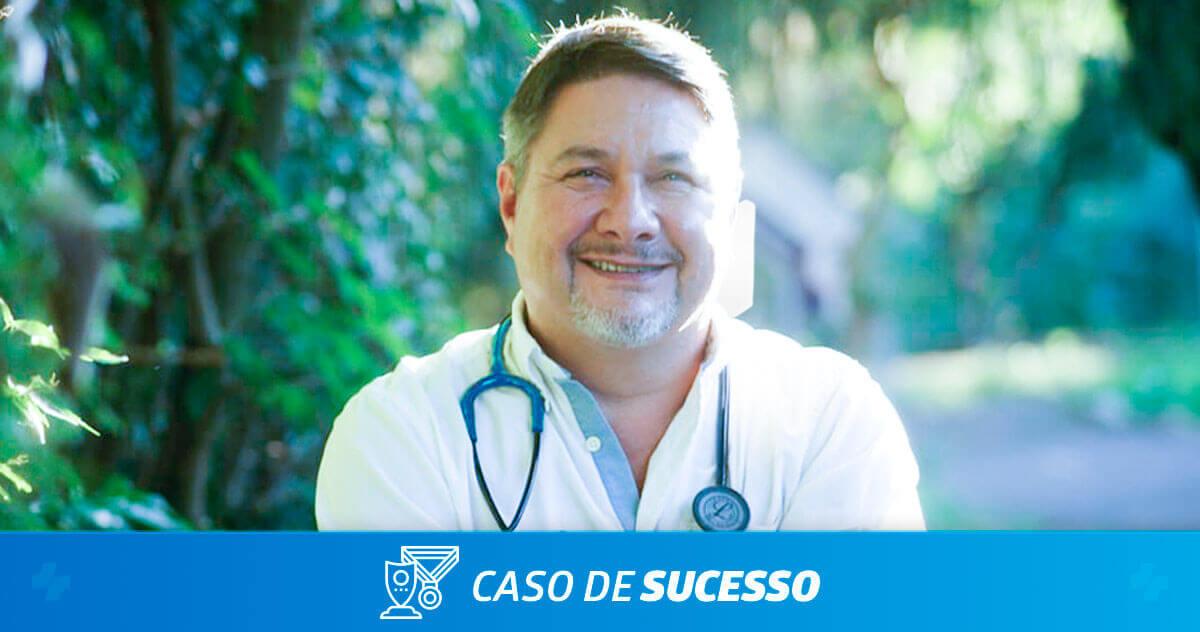Como o Dr. Ricardo Meyer facilita a comunicação com os pacientes com o iClinic