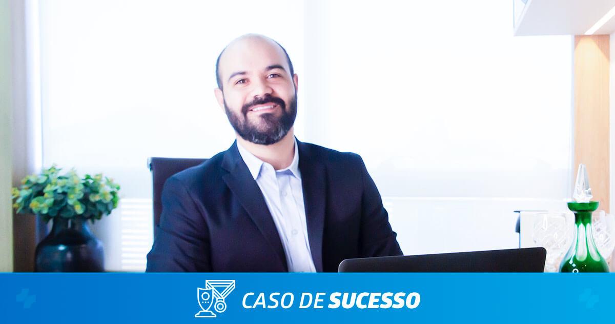 Como o Dr. Filipe Damasceno mantém sua inovação com a ajuda do iClinic?